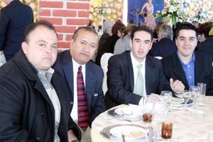 Fueron captados en pasado festejo social Esteban Jardón, Guillermo Cerón, Benjamín Lavín y Óscar Herrera.