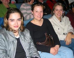 Nancy de Mier, Gaby de Zablah y Mayela de Quirarte.