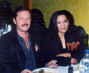 Salvador Herrera Garay y Doris Estrada Antúnez, captados en un festejo del CBTIS No. 196 en Matamoros, Coah.