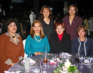 Gabriela de Montoya, Susana de Martínez, Rosa Isela Roma, Deyanira Monroy, Paty Zorrilla y Lety de Palacios, captadas en reciente evento social.