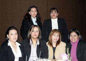 Bárbara Alonso, Josefina García, Estrellita Estrada, Selene Ortega, Mónica Cervantes y Sonia Espejel en un grato convivio.