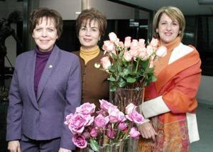 Elisa Morales, Alma Rosa de Campos y Elizabeth T. de Abraham