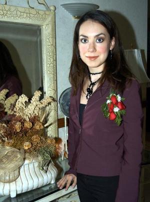 <b><u>07 de febrero </b></u><p>  Mónica González Sánchez en la fiesta pre nupcial que le ofrecieron.