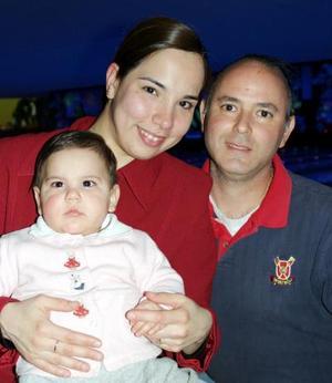 Alberto, Maytte y Paula López Cerón.