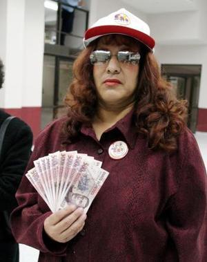 Enedina Jara Corral fue la última ganadora  de la primer semana en reportarse a la línea de Siglomanía, ella se llevó 10 mil pesos.