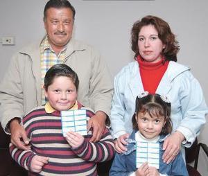 La familia Herrera Saldaña participó en la Siglomanía y ganó en la primer semana de juego 10 mil pesos.