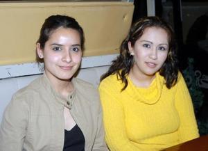 Cynthia Galiano y Elba Limones.