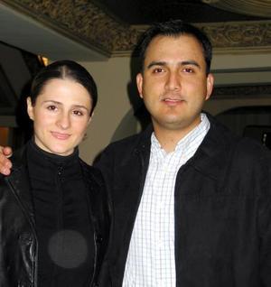 Dora Valdés González y Enrique García.