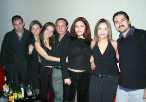 Festejaron el cumpleaños de Diana Arroyo sus amigos, Felipe, Anilú, José Luis, Vanessa Olivas, Deyanira Vargas  y Édgar Chávez.
