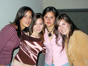 Andrea Chaquib, Marcela Guajardo, Krizia de la Vega y Saraines Perales.