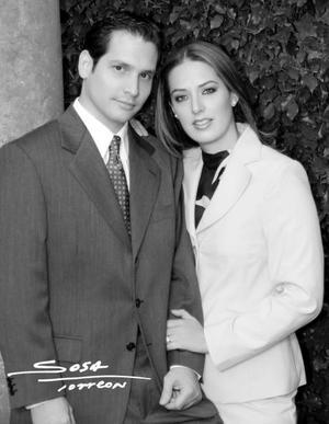 Lic. Severino González Martínez y Lic. Claudia Mendiola Rodríguez efectuaron su presentación religiosa el 30 de enero de 2004.