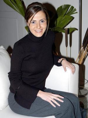 <u><b>08 de febrero</u></b><p> Márgara Dueñes Correa en una de sus últimas despedidas de soltera.