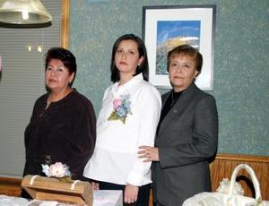 Liliana Blanco de Lara disfrutó de una fiesta de canastilla organizada por Tere Rodríguez de Blanco y Socorro Piedra de Lara.
