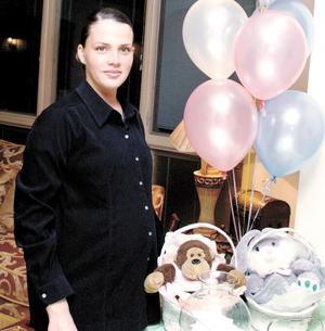 <b><u>08 de febrero </b></u><p>  Sofía Aguirre espera lla llegada de su próximo bebé.