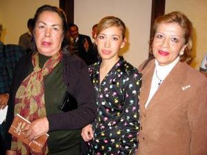 María Eugenia de Román Castro, Chiara Daniela Carreón y Lourdes Bañuelos del Río.