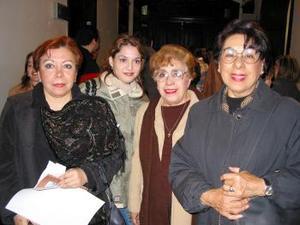 Rebeca Orduña. Bibi Orduña de Azpe, Pilar Arce y Susana Luna.