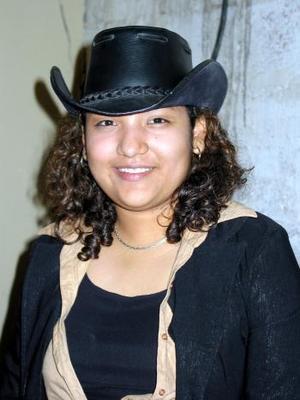 Valeria Camacho Arrañaga festejó su cumpleaños en días pasados con un divertido convivio que le ofrecieron sus familiares.