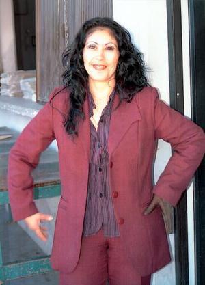 <b><u> 08 de febrero </u> </b><p> Mary Rangel contraerá matrimonio en breve en la ciudad de Houston, Texas con Víctor Gómez Martínez