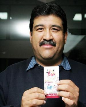 Víctor Hugo Muñoz Hernández, lector desde pequeño de el Siglo, fue uno de los ganadores de la segunda semana.