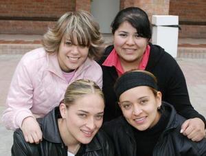 Jordana Puente, Ayra Serrano, Ale Luévanos, y Diana Solís