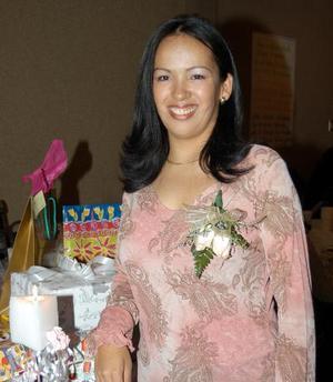 Elizabeth Salazar Lozano, captada en su despedida de soltera.