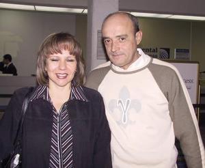 <u><b>12 de febrero</u></b><p>  Patricia de Rubio viajó a la Ciudad de México y fue despedida por Roberto Rubio.