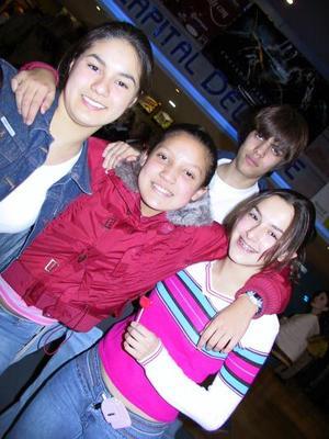 Cristina Salado, Cinthia Fematt, Ana Isabel Tagle y Raúl Vargas