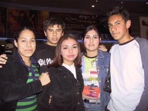 Gaby de Santiago, Jessica Guzmán, Alejandro Soto, Katia Palma, Alfredo López.