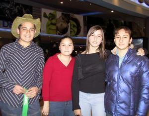 Mayra González, Gaby Vega, Cecy Sifuentes y Alejandro Hatchett.