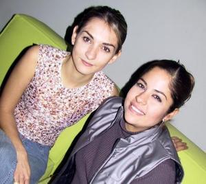 Perla Jáuregui Castillo y  Lorena Raigoza Echavarri.