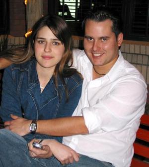 Brenda Dávila Villar y Gabriel Zermeño.