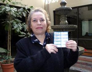 Luz María Villarreal de la colonia Bella Vista de Gómez Palacio se unió a la lista de felices ganadores de la semana NRO. 3.