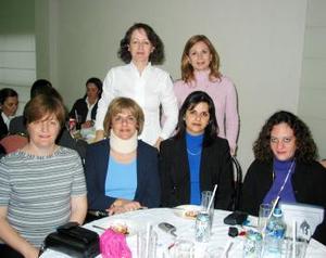 Marina I. de García, Analy L. de Jaidar, Malú A. de López, Rocío G. de Yacamán, Cristina G. de Belausteguigoitia y Jaqui S. de Miranda.