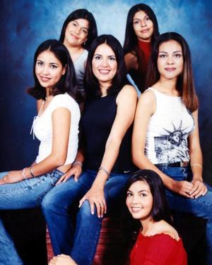 Cecilia, Liliana, Argentina, Rosalía, Violeta y Esmeralda.