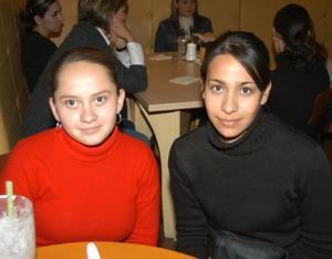 Cristina Espino y Ofelia Aurora Martos.