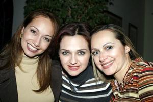 <b><u>16 de febrero</b></u><p> Las hermanas Érika de la Peña de Cantú, Gretel de la Peña de Quezada y Cristina de la Peña de Nahle.