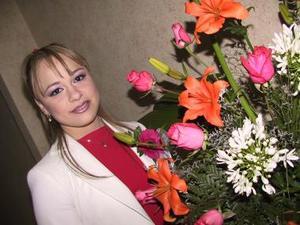 Alejandra Guzmán Muñoz disfrutó una agradable fiesta de despedida.