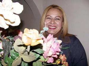 Inés Pérez Aguirre disfrutó una despedida de soltera.