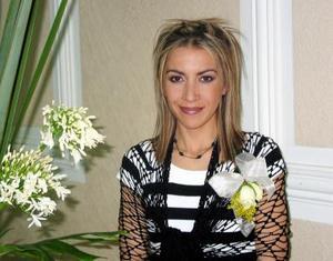 <u><b>15 de febrero</u></b><p> Marisol Jiménez Rodríguez fue depeida de su soltería con un convivio.