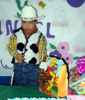 Ángel Eduardo Pérez Vásquez festejó su tercer cumpleaños con un convivio que le organizaron sus papás, Eduardo Pérez e Isabel Vásquez.