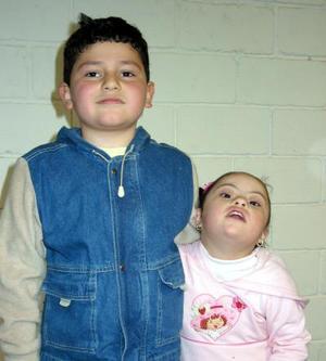 <b><u>15 de febrero</b></u><p> Sebastián y Samantha María M. Flores, fueron captados en pasado festejo infantil.
