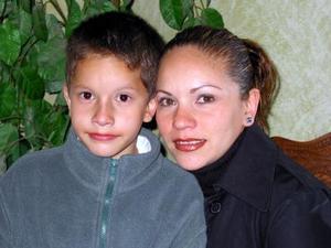 <b><u>17 de febrero</b></u><p>  Zahid Israel Carrillo Ramírez junto a su mamá Zaida Ramírez Zubiría, el día que festejó su séptimo cumpleaños.