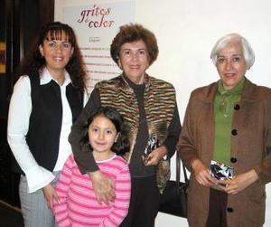 Adriana Blásquez, Eugenia Silva y Natalia Aguilar.
