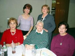 Ana Mary Fernández, Violeta Lassala, Connie Ahnert, Pily Rodríguez y Mavisa Garza.