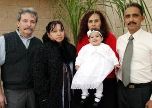 Francisco Esparza, María de Jesús Sánchez, Mario Jesús Esparza, Olivia Hernández y la pequeña Evelyn Esparza Hernández.