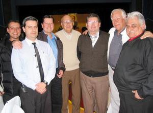Hermano Manuel Padilla, acompañado de sus ex alumnos Augusto Ávalos, Sergio Gilio, Doroteo Ávila, Doroteo Ávila Jr, Eduardo Ávila y Patricio Ávila.