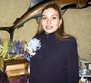 <b><u>19 de febrero </b></u><p> Graciela  A. de Martínez disfrutó de una fiesta de canastilla.