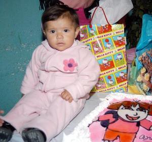 <b><u>18 de febrero</b></u><p> Frida Andrea de la Cruz Rivas cumplió un año de vida en días pasados y por tal motivo, fue festejada con una merienda