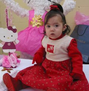 Bárbara Díaz de León Ortz fue festejada por su primer año de vida, con una divertida merienda que le ofrecieron sus padres.
