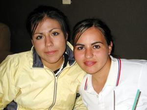 Ana Lu Hoyos y Ana Laura Ramírez.